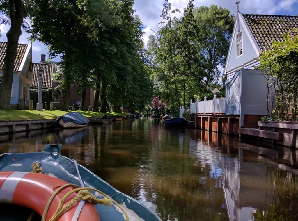 fluisterboot theetuin overleek