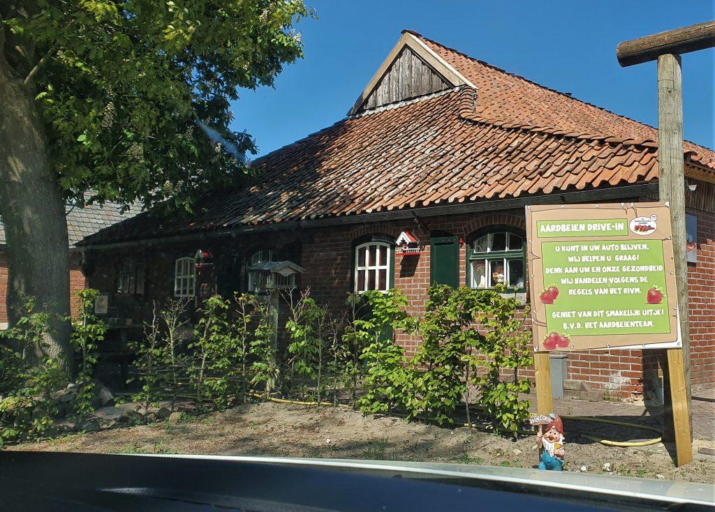 Aardbeiden drive-in Manderveen Twente